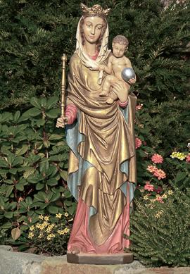 Grabschmuck Statue
